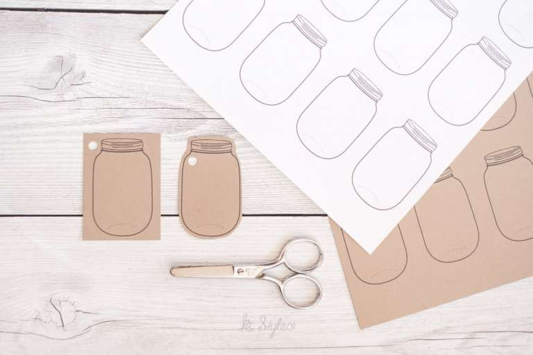 Printable mason jar tags.