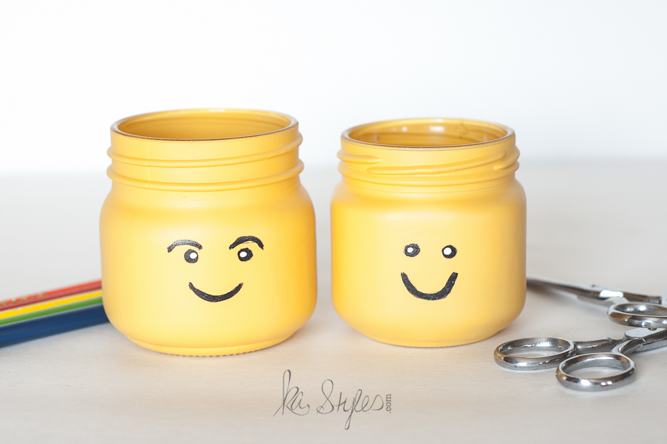 DIY Lego head mason jars.