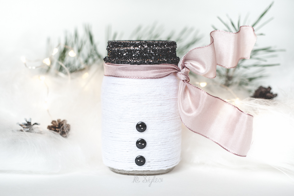 Yarn wrapped snowman mason jar luminary-3