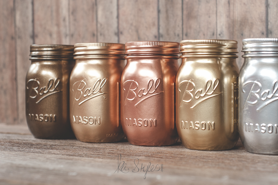 Painted mason jars with Rust-oleum metallic spray paint colors. Silver, gold, copper.
