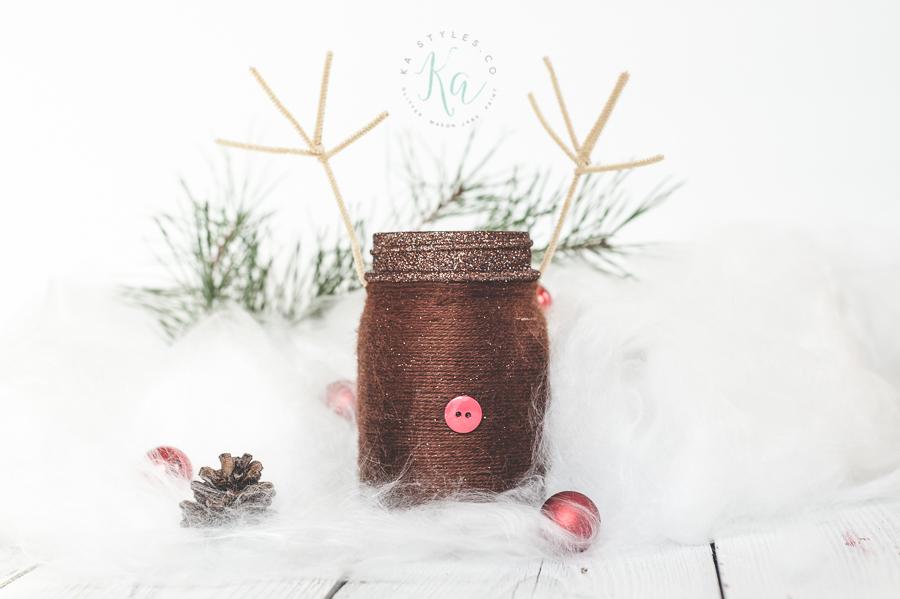 Yarn wrapped reindeer mason jar.
