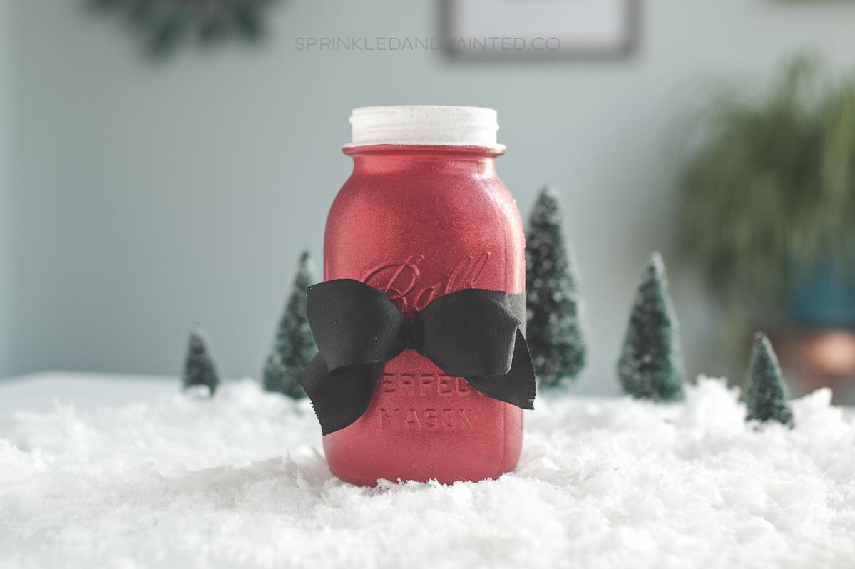 Santa mason jar vase or gift jar. #santadecor