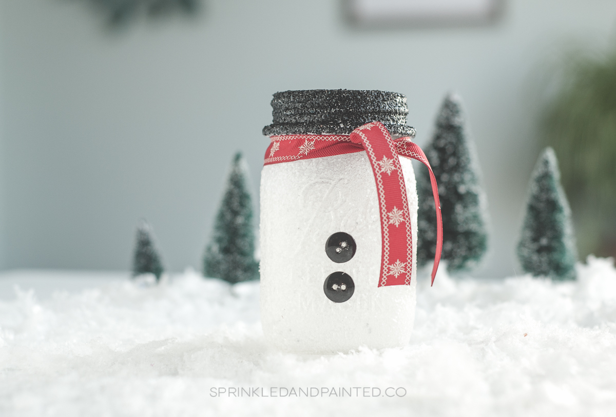 Snowman mason jar decor. #snowmen