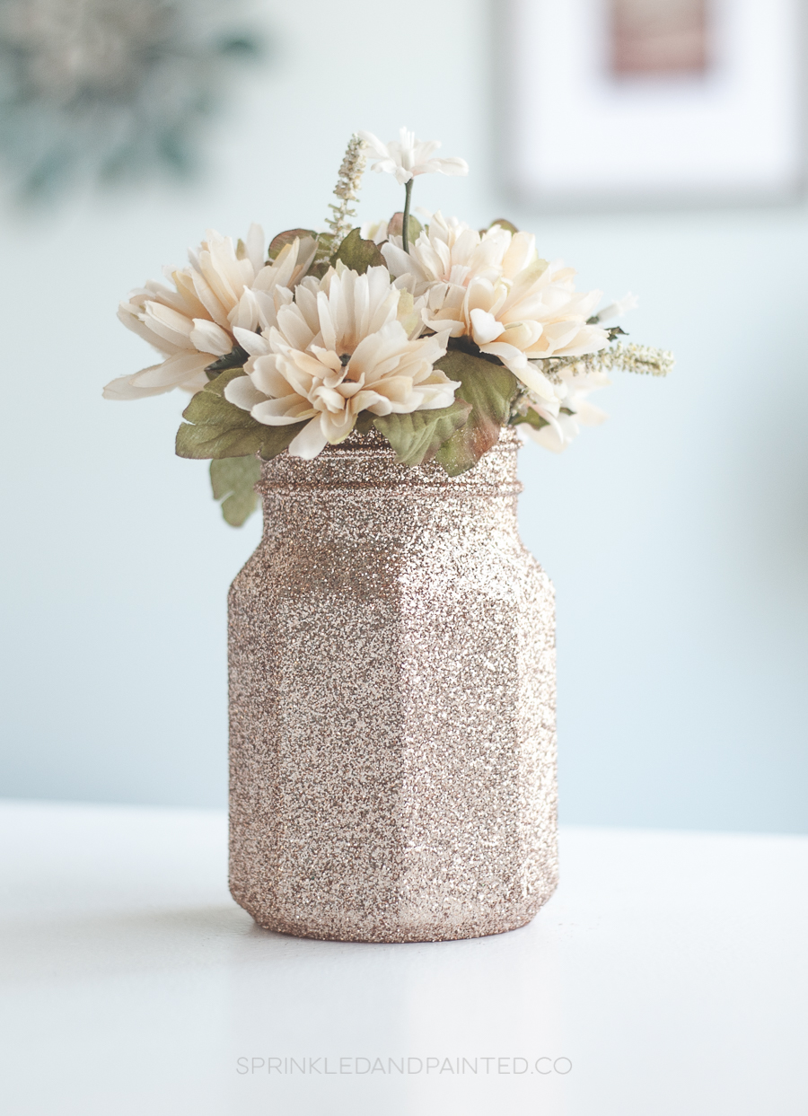 Rose gold mason jar vases. #rosegoldwedding